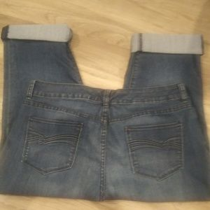 Cuffed cropped blue jeans from the Limited